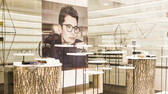 Unternehmen Sattler Erfolgsstory - Brillengeschäft Interieur