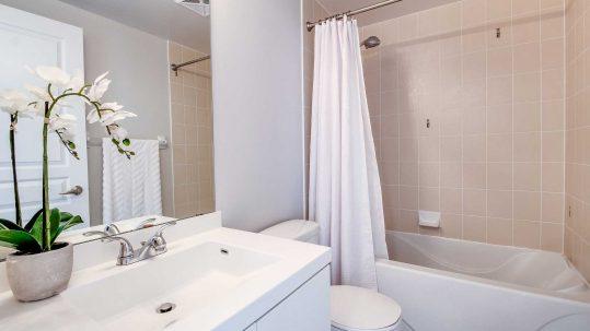 Ein Badezimmer als Sujetbild für Installateur Scheucher, der bei Personalplanung mit dem AMS kooperiert.